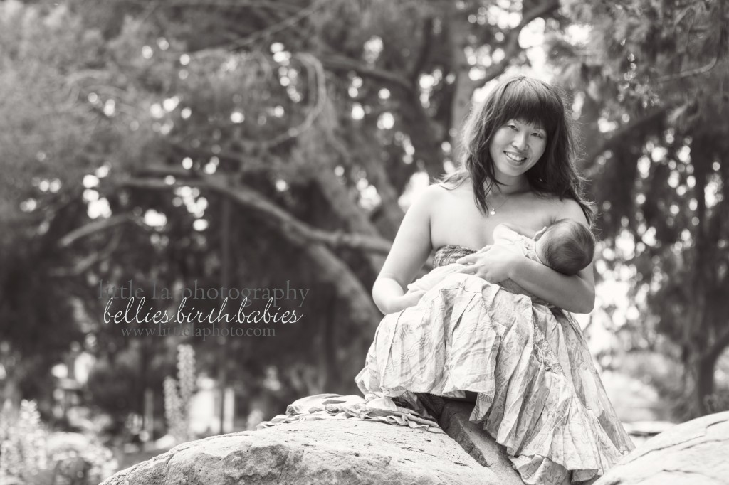 la breastfeeding photographer