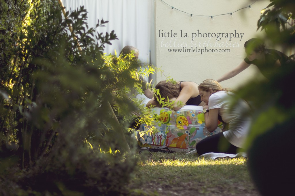 outdoor homebirth with midwife doula photographer
