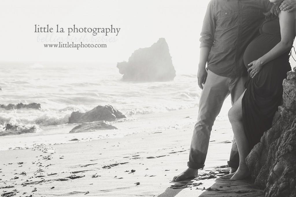 black and white beach maternity photos california