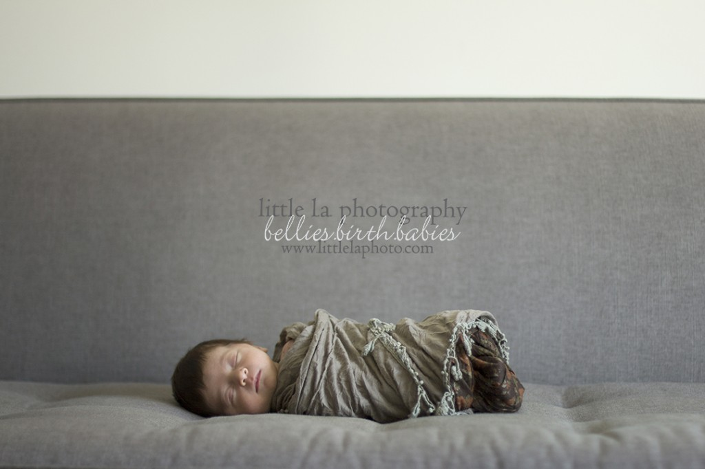 clean and simple newborn photography