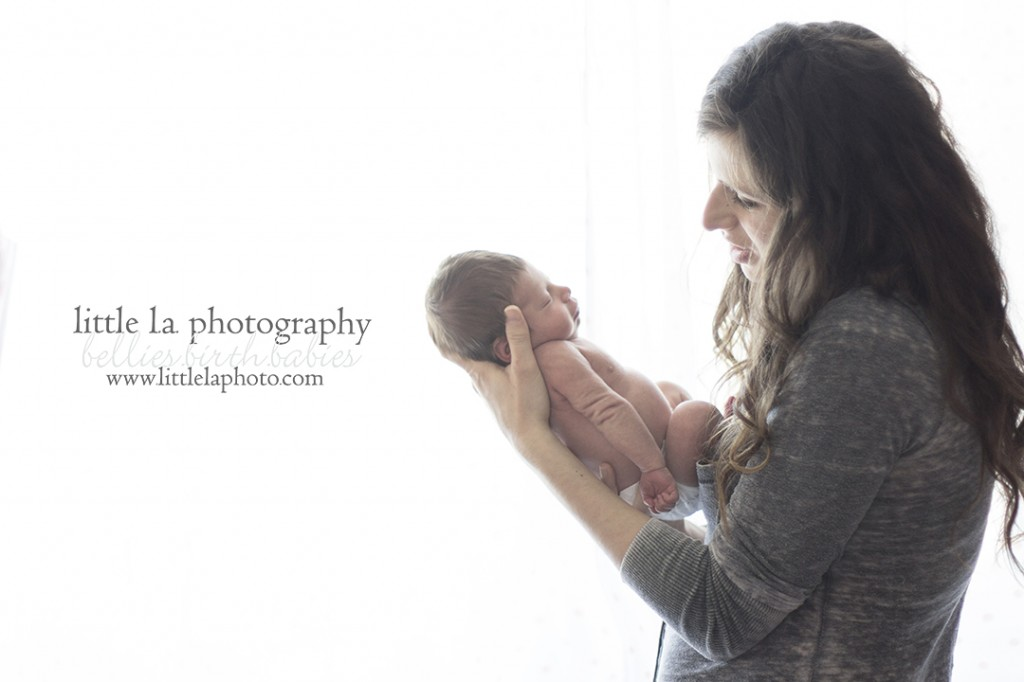 mother and newborn natural baby photograher in LA los angeles beverly hills