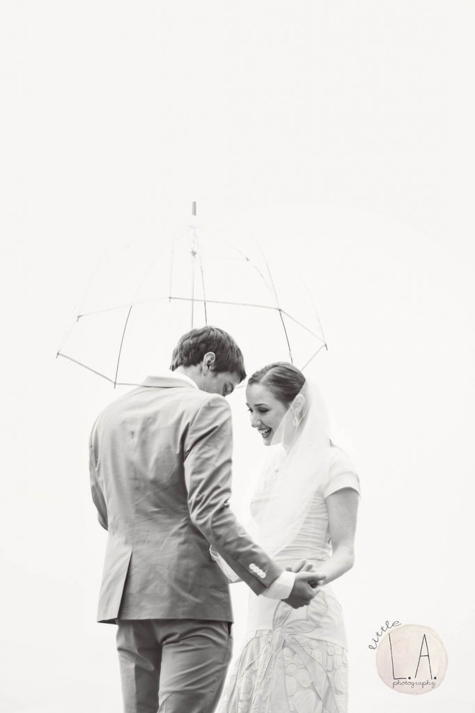 black and white rainy wedding photos